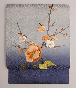椿に梅刺繍名古屋帯