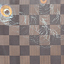 市松に孔雀の羽根文様描き絵名古屋帯 前柄
