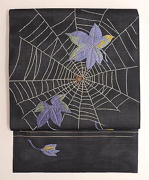 黒地蜘蛛の巣文様絽の名古屋帯