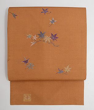 紅葉の刺繍名古屋帯