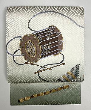 雅楽楽器の刺繍名古屋帯