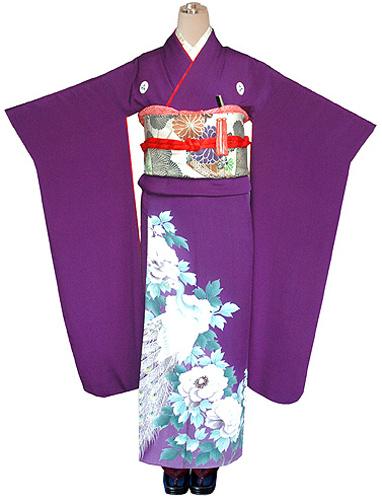 芍薬と孔雀の図紫縮緬振袖