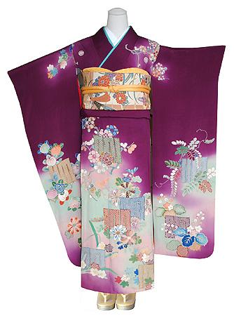 四季の花々に源氏香の図錦紗振袖