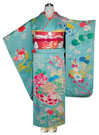 桜に牡丹春の花籠文祝い着