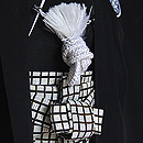 黒紋付に格子柄袴