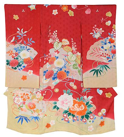 四季の花々に檜扇の図祝い着